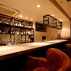 ラズル-西麻布‐Razzle本格的なバースペースと多彩なお酒